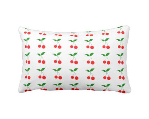 Подушка по-английски - pillow [ˈpɪləʊ]